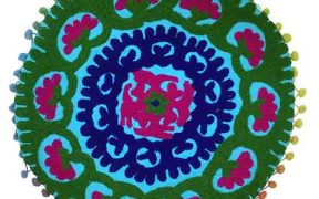 کاور کوسن دست دوز سوزنی هندی گرد طرح شقایق : زمینه آبی