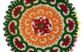 کاور کوسن دست دوز سوزنی هندی گرد طرح شقایق : زمینه خاکستری روشن