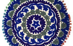 کوسن دست دوز سوزنی هندی گرد طرح زنبق : زمینه سفید