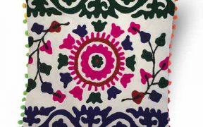 کاور کوسن دست دوز سوزنی هندی طرح خورشید : زمینه سفید
