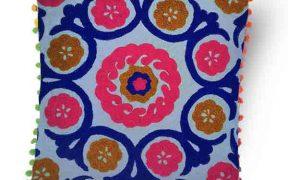 کاور کوسن دست دوز سوزنی هندی طرح شقایق : زمینه آبی