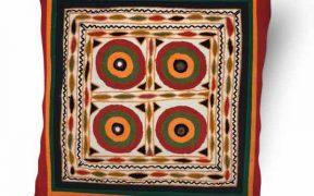 کاور کوسن دست دوز هوناری هندی : زمینه چهار رنگ