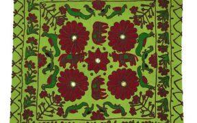 کاور کوسن دست دوز هوناری هندی طرح چهار گل : زمینه سبز