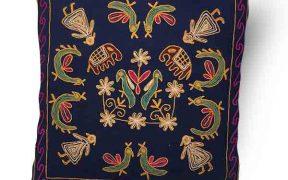 کاور کوسن دست دوز هوناری هندی طرح فیل و طاووس : زمینه سرمه ای
