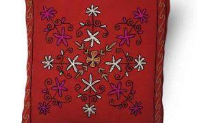 کاور کوسن دست دوز هوناری هندی طرح غنچه : زمینه قرمز